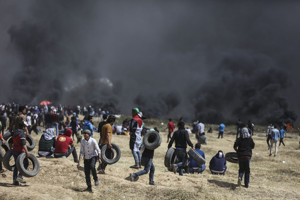 Seven killed, more than 1,000 injured in new Gaza border protests